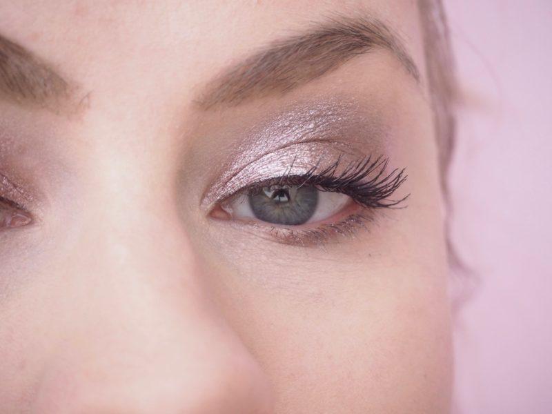 Essence Melted Chrome Eyeshadow luomivärit kokemuksia Ostolakossa blogi Virve Vee
