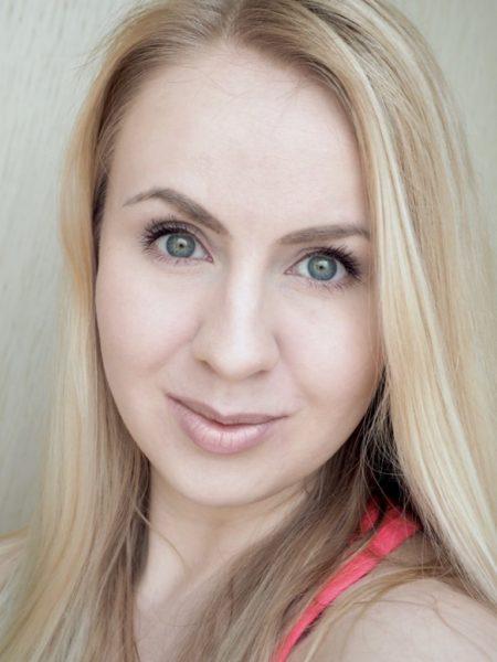 Kat Von D Lock-It Brightening Powder Kokemuksia Ostolakossa Virve Vee