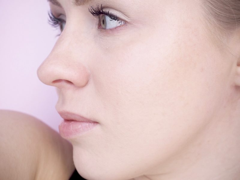 Linda Hallberg Cosmetics Infinity Glass kokemuksia Ostolakossa blogi Virve Vee