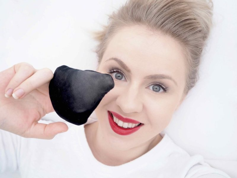 Linda Hallberg LH Cosmetics The Powder Puff puuterivippa Ostolakossa kokemuksia