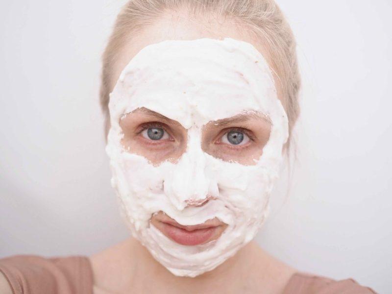 Lindsay Calendula Modeling Mask -