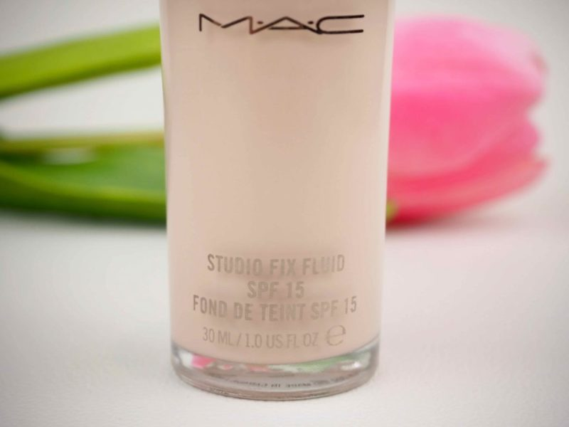 MAC Studio Fix Fluid SPF 15 Foundation