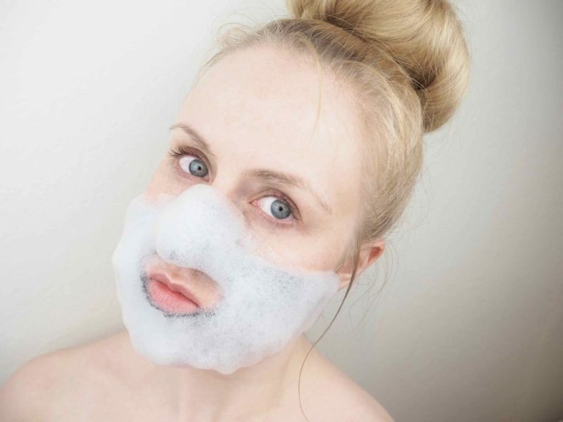 Ostolakossa aasialainen kosmetiikka