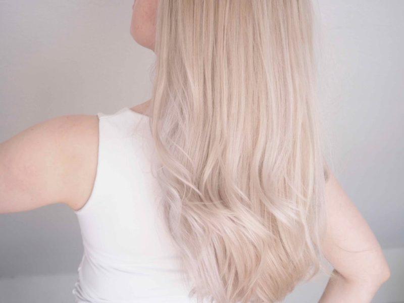 Ostolakossa hiukset