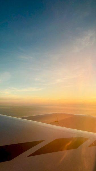 Ostolakossa ihonhoito lentokoneessa