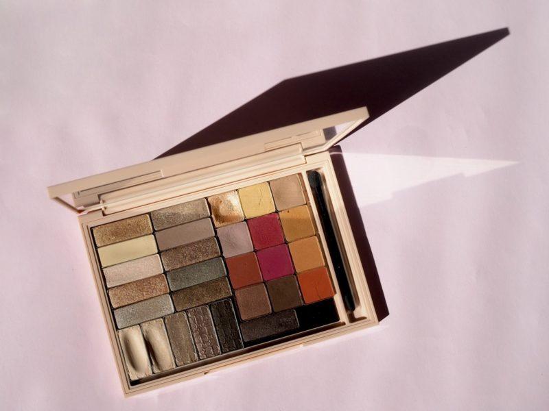 Ostolakossa kaikki luomivärit Minimalismi meikit