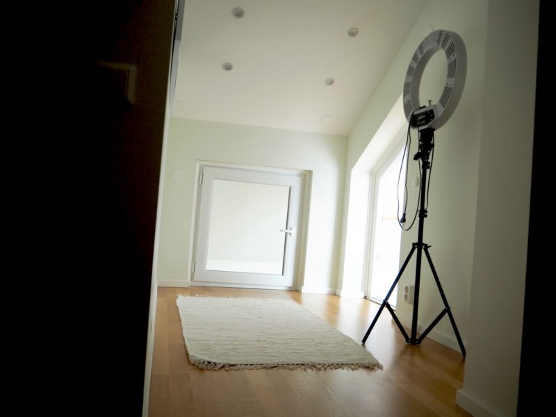 Ostolakossa minimalismi minimalistinen koti Virve Fredman