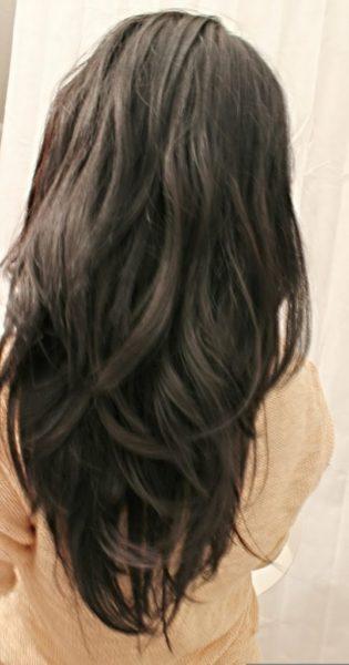 Ostolakossa Virve Tummat hiukset