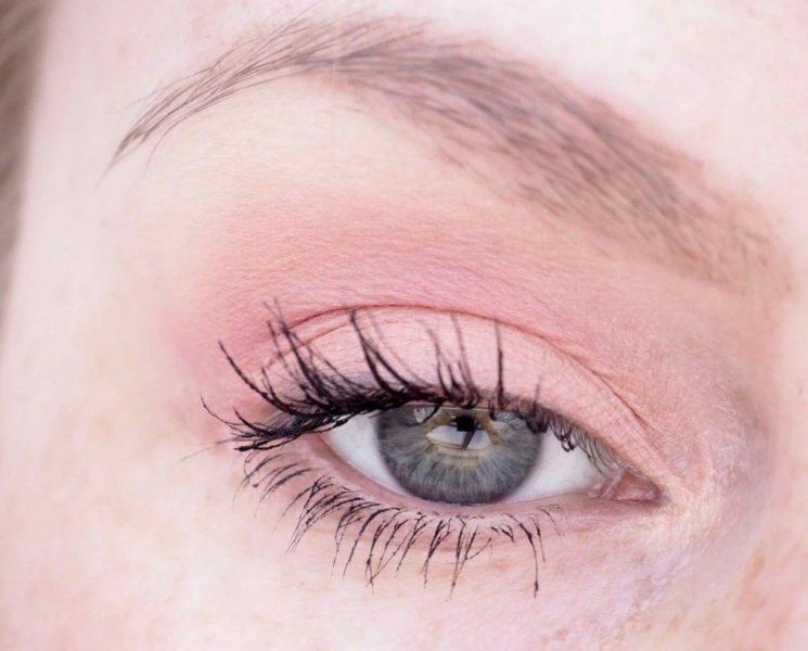 Ripsivärisotku pois Ostolakossa meikkivinkki